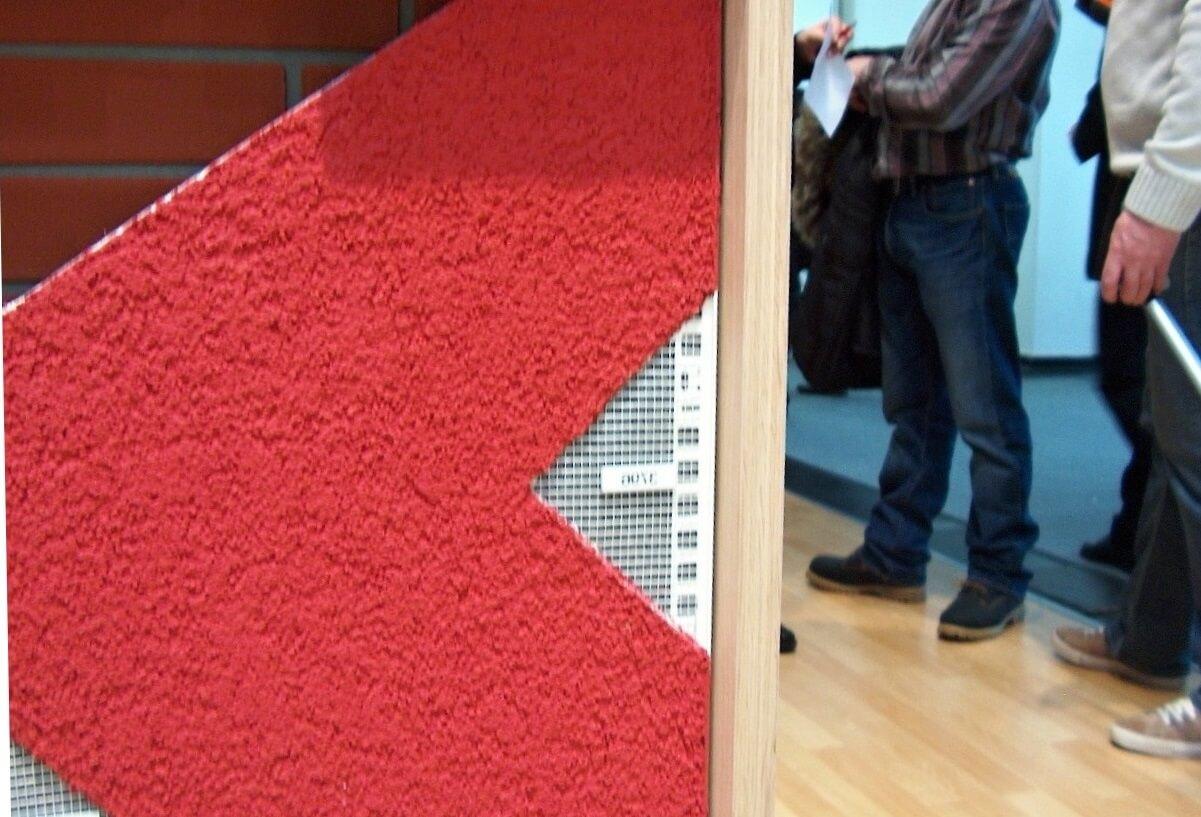 Náhľad na ideálne napojenie dreva na fasáde zo silikátovej omietky